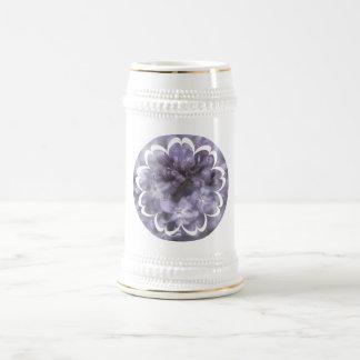 La lila florece la cerveza Stein Tazas
