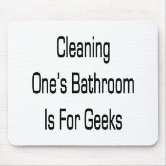 La limpieza de su cuarto de baño está para los fri tapetes de ratones