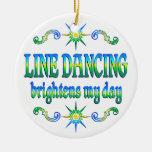 La línea baile aclara adorno de navidad