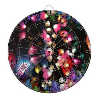 La linterna colorida enciende arte de la foto tabla dardos