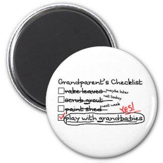 La lista de control de los abuelos imanes para frigoríficos