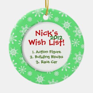 La lista de objetivos del niño del copo de nieve adorno navideño redondo de cerámica