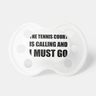 La llamada del campo de tenis debe ir chupetes
