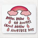 La lluvia de la lluvia sale alfombrilla de ratón