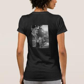 La locomotora del vintage de los galones de la t shirts