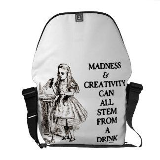 La locura y la creatividad pueden toda provenir un bolsas de mensajeria