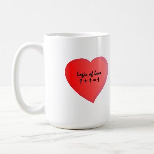 La lógica del amor uno más uno se convierte en una taza