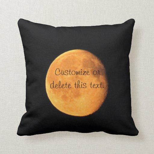 La luna amarilla grande; Personalizable Cojín