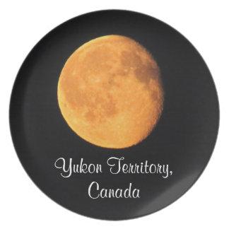 La luna amarilla grande; Recuerdo del territorio d Plato De Cena