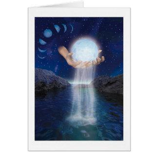 La luna en sus manos tarjeta de felicitación