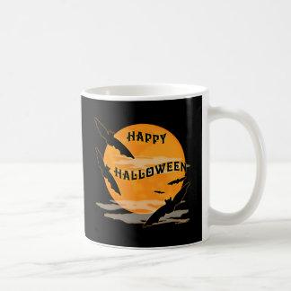 La Luna Llena golpea feliz Halloween Taza Básica Blanca