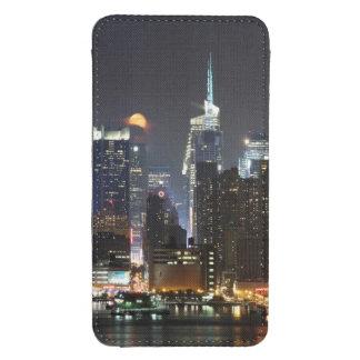La luna sube sobre el Midtown Nueva York. Funda Para Galaxy S4
