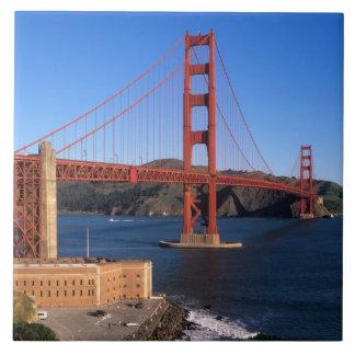 La luz de la mañana baña puente Golden Gate Azulejo Cuadrado Grande