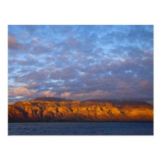 La luz de la mañana saluda a Sierra de la Giganta Tarjeta Postal