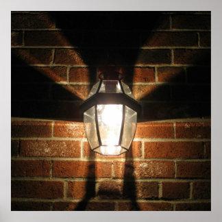 La luz está prendido dar la bienvenida a casa póster