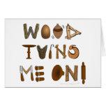 La madera me da vuelta en las herramientas y los p tarjeton