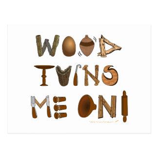La madera me da vuelta en las herramientas y los tarjeta postal