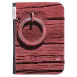 La madera roja rústica con el anillo del metal enc