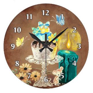 La magdalena, la vela, y el ratón reloj redondo grande