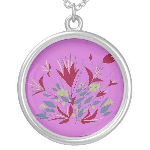 La magenta florece el fondo púrpura grimpolas