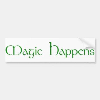 La magia sucede pegatina para auto