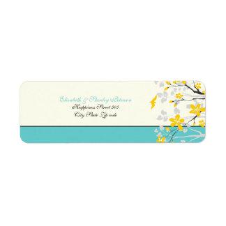 La magnolia florece la etiqueta amarilla del boda etiqueta de remitente