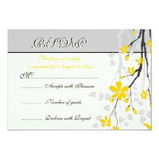 La magnolia florece la tarjeta amarilla, gris de invitación 8,9 x 12,7 cm