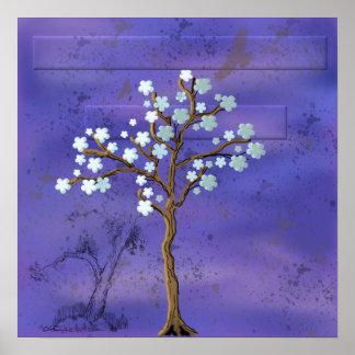 La magnolia inspiró el árbol con el poster azul de