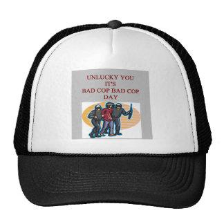 la mala policía del poli del buen poli bromea gorras de camionero