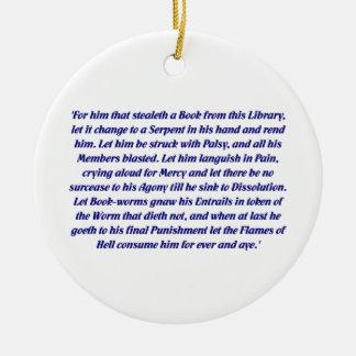 La maldición del libro adorno navideño redondo de cerámica