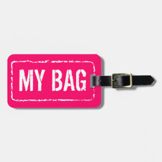 La maleta colorida marca etiquetas de encargo del