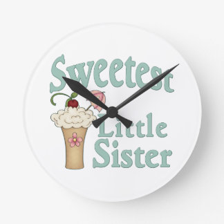 La malta más dulce de la pequeña hermana reloj redondo mediano