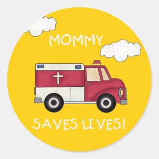 La mamá de EMT ahorra las camisetas y los regalos Pegatina Redonda