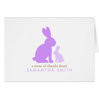 La mamá de la lavanda y el conejo del bebé le agra tarjeta pequeña