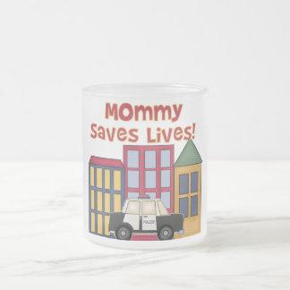 La mamá de la policía ahorra las camisetas y los taza cristal mate