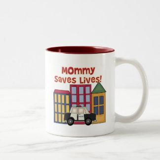 La mamá de la policía ahorra las camisetas y los taza dos tonos