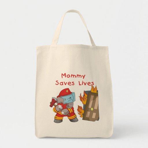 La mamá del bombero ahorra las camisetas y los reg bolsa de mano