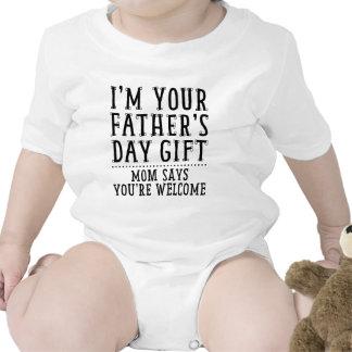 La mamá dice que usted es agradable trajes de bebé