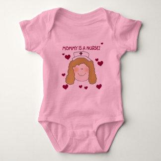 La mamá es camisetas y regalos de una enfermera polera