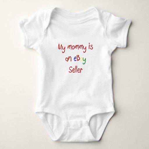 La mamá es una camiseta del bebé del vendedor de polera