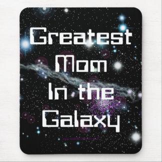 La mamá más grande en el estándar de la galaxia alfombrillas de ratón