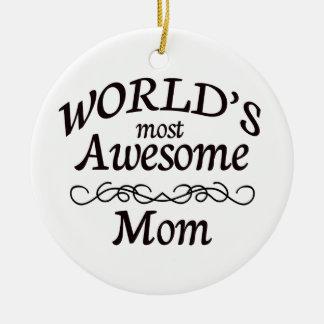 La mamá más impresionante del mundo adorno navideño redondo de cerámica