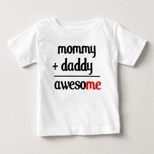 La mamá más papá iguala la camisa impresionante de
