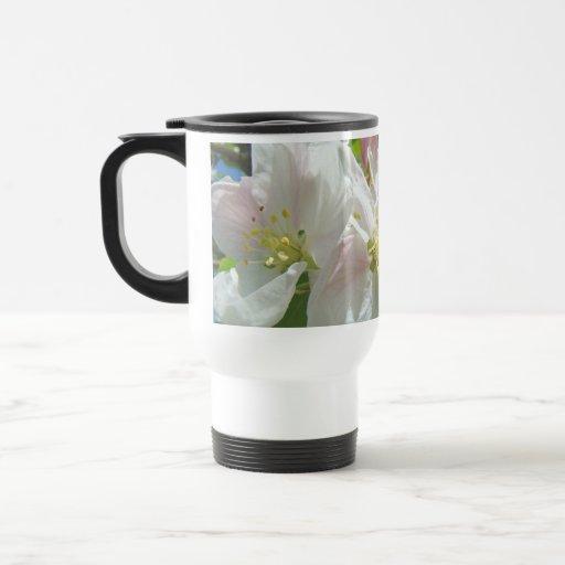 ¡La mamá necesita más café! Flores de la taza de c