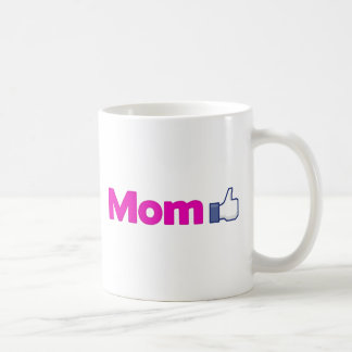 La mamá tiene gusto taza de café