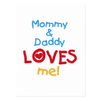 La mamá y el papá me ama las camisetas y los tarjeta postal