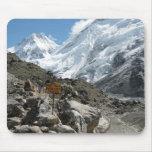 La manera al monte Everest Tapetes De Raton