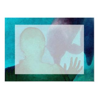 """La mano del chica encima de delfínes apoya grunged invitación 5"""" x 7"""""""