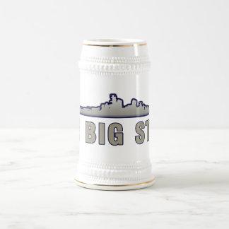 La mano dura jarra de cerveza
