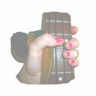 la mano femenina que sostenía el cuello bajo de se escultura fotografica